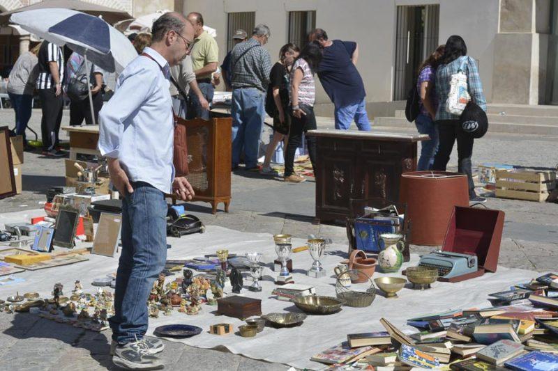 - CANCELADO TEMPORALMENTE - Rastro de artesanía y antigüedades